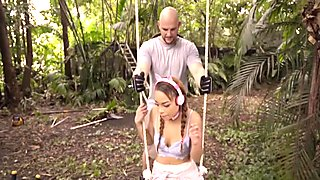 Good looking slut gets destroyed outdoors by a horny hunk