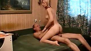 Amateur blonde orgasm with old guy