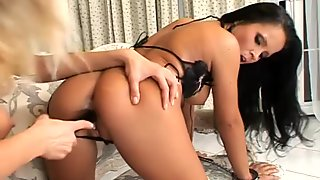 Horny and torrid chicks Clara G & Panthera Nicoll have fun while licking pussies
