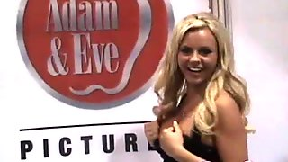 Sexy porn star Bree Olson is so down to earth and she loves her fans