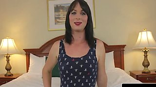 Femboy amateur pleasures herself with a tug